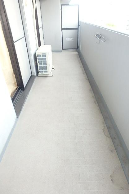 ファヴォール白壁 601号室のバルコニー