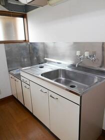 コスモ多摩 201号室のキッチン
