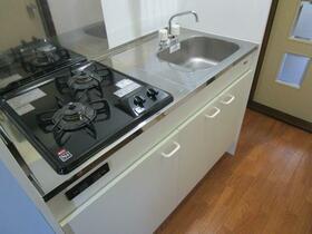 センチュリー旭 106号室のキッチン