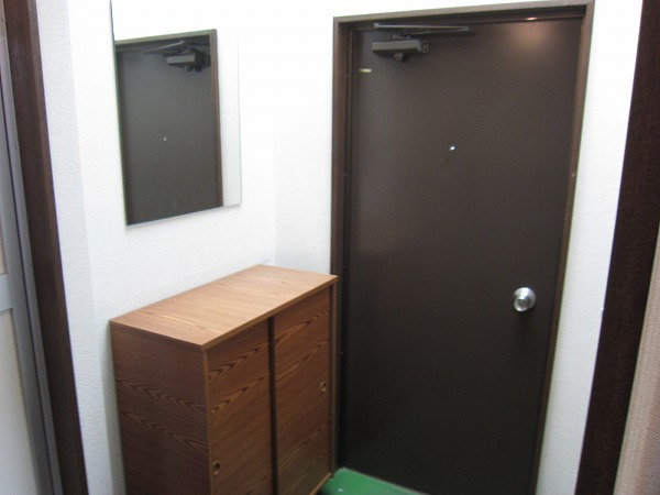第2恩田ビル 205号室の玄関