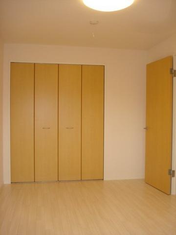 フォレストアーク大森Ⅱ 102号室のベッドルーム