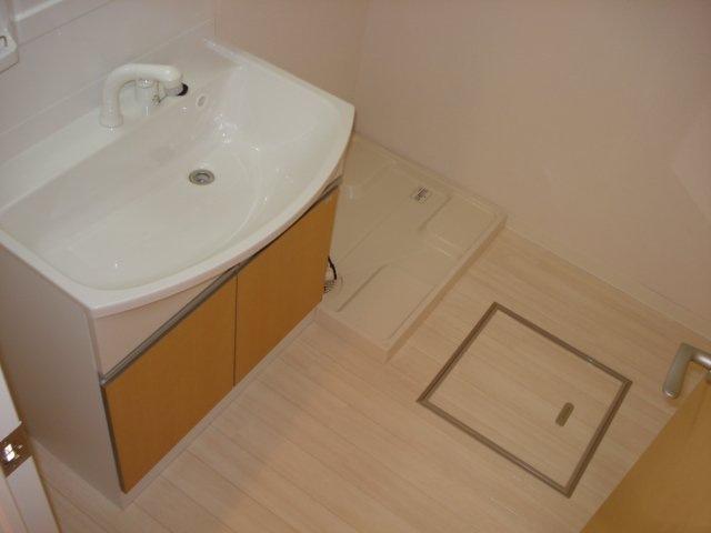 フォレストアーク大森Ⅱ 102号室の洗面所