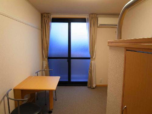 レオパレスコンフォニティ 204号室のリビング