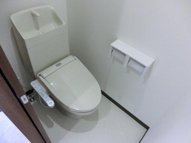 LA LUCE 111号室のトイレ