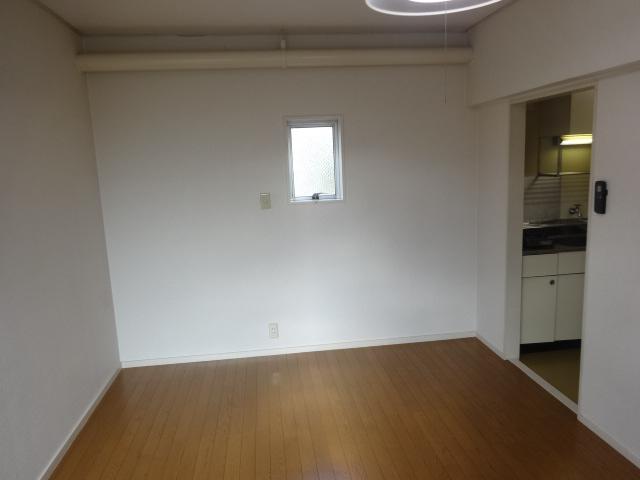 マルカクカウンタックハイツ 201号室の収納
