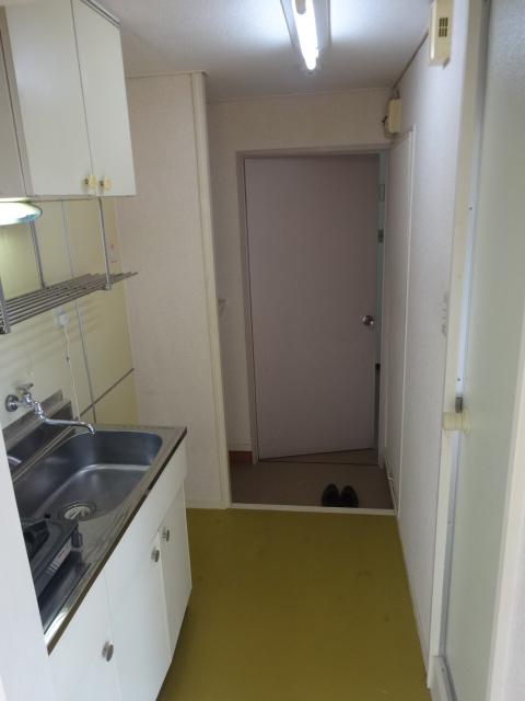 マルカクカウンタックハイツ 201号室のキッチン