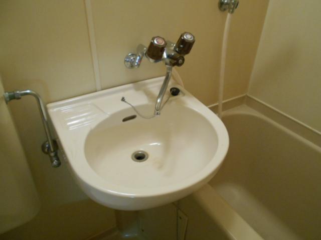 エステートピア苅分 207号室の洗面所