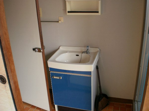 アーバンハイツ 301号室の洗面所