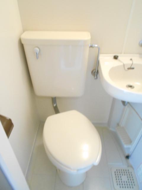 ドリーム嵯峨野 201号室のトイレ