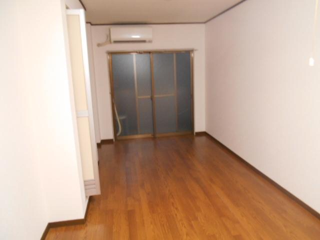 ル・松尾 204号室のリビング