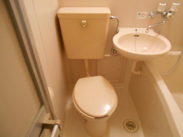ル・松尾 204号室のトイレ