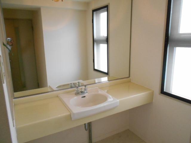 カーサグラン御池 705号室の洗面所