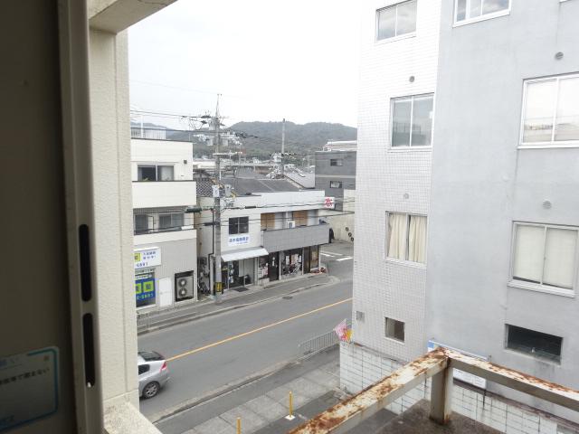 菱田ハイツ 302号室のバルコニー