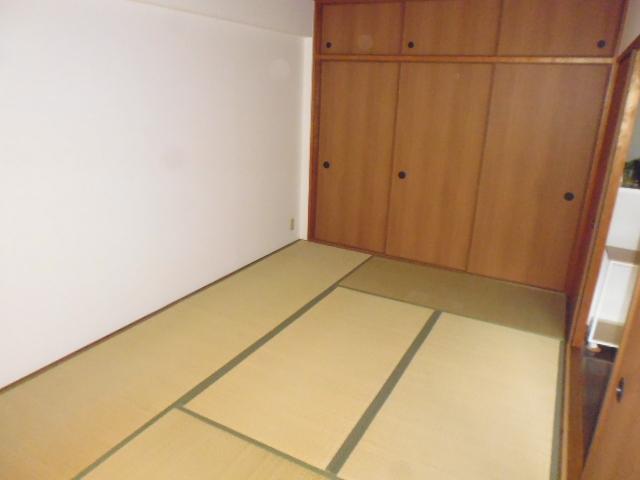 M・レヴェンテ 503号室のリビング