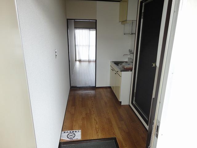 ユニメント桂川 201号室の玄関