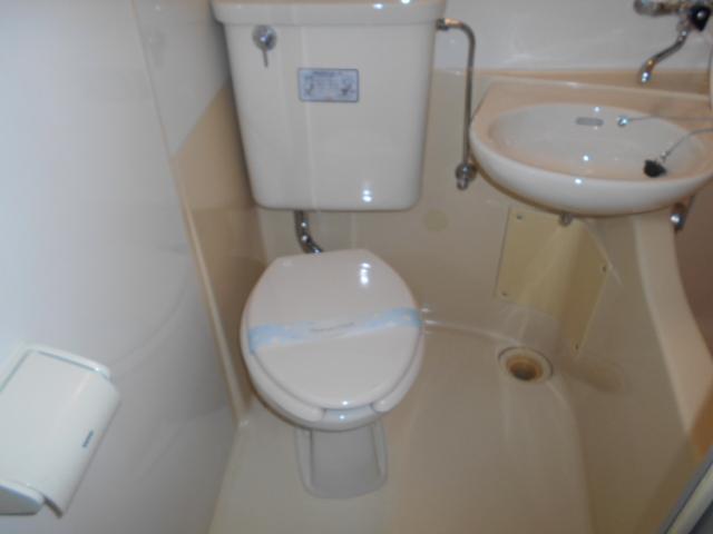昇栄マンション 403号室のトイレ