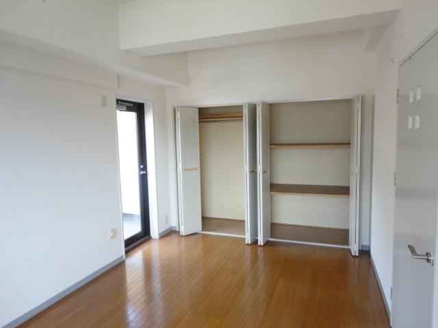 ウェルネスアーク桂 501号室の収納