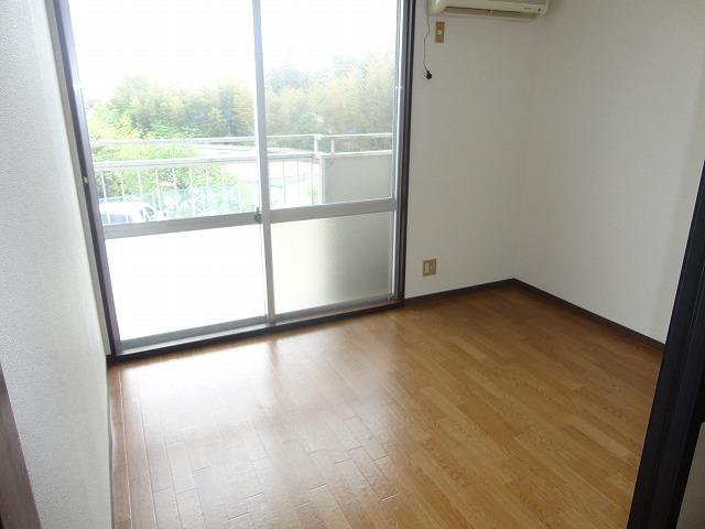 パセンテラ洛西 101号室の居室