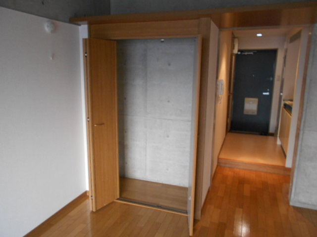 ラ・ヴィル・フルール 101号室の収納