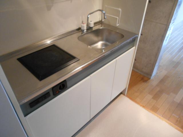 ラ・ヴィル・フルール 101号室のキッチン