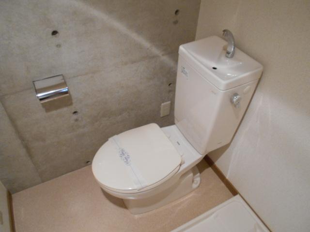 ラ・ヴィル・フルール 101号室のトイレ