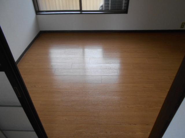 ロッジ御室 105号室の居室