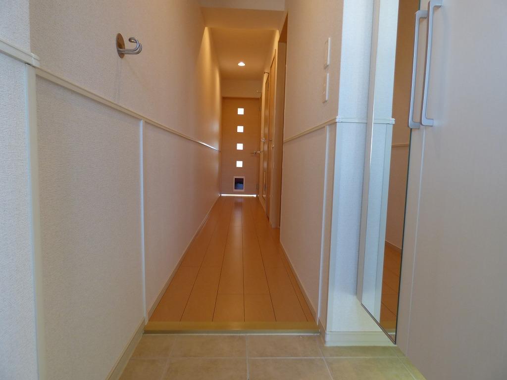 ヴェルデ ストーリアⅡ 03080号室の玄関