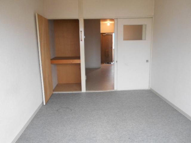 竹中ビル 302号室のリビング