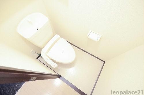 レオネクストリュミエール 204号室のトイレ