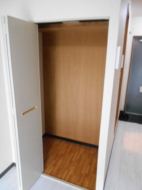 フラッツ太秦 206号室の収納