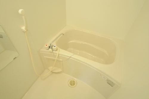 レオパレス罧原 201号室の風呂