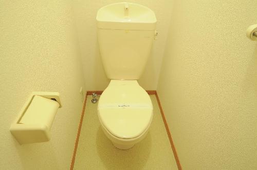 レオパレス罧原 201号室のトイレ