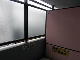 メゾン・ド・パンドール 0106号室の洗面所