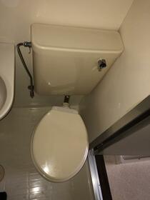 ブルーハイツ 201号室のトイレ