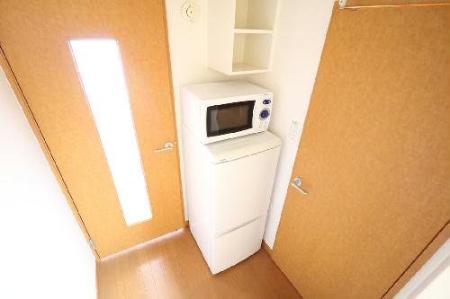 レオパレスサンメゾン 206号室のリビング