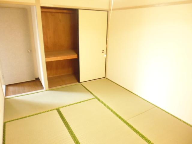 離宮ガーデンハイツ 206号室のベッドルーム