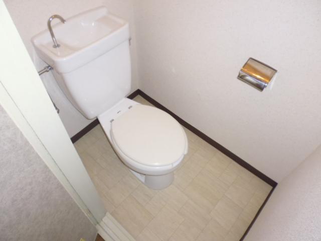 離宮ガーデンハイツ 206号室のトイレ