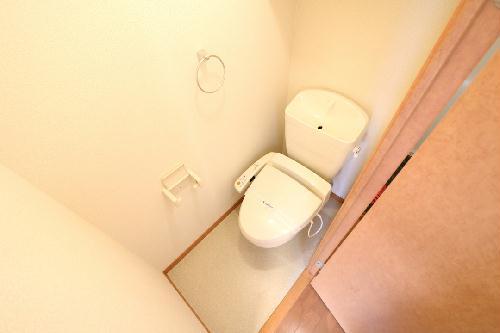 レオパレスアムール 206号室のトイレ