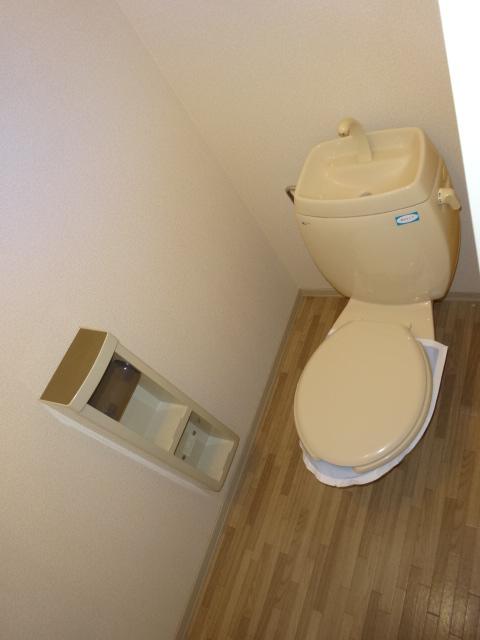 ポルコスピーノK 201号室のトイレ