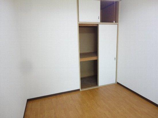アビリティー桂 302号室のベッドルーム
