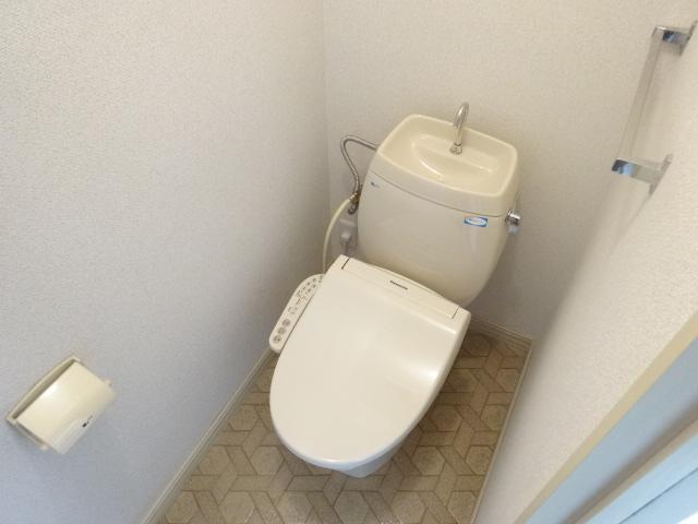 フレグランス井上 202号室のトイレ