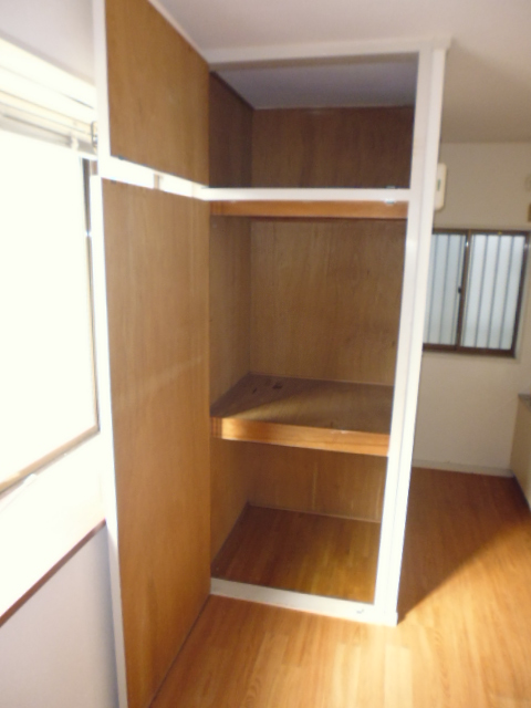 ハイツジュン 301号室の収納