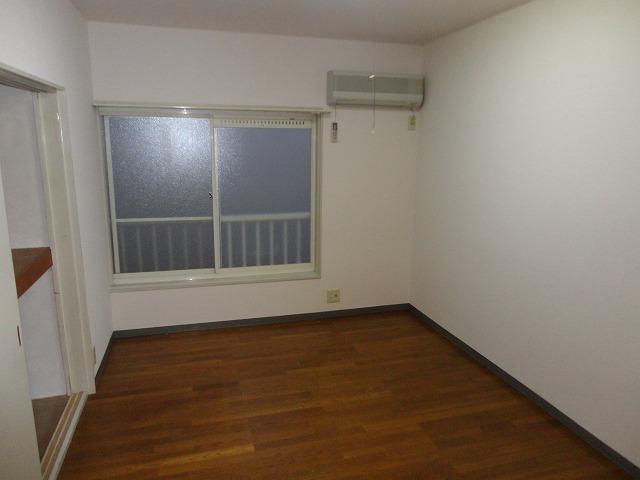 第一中原グリーンハイツ 211号室のキッチン