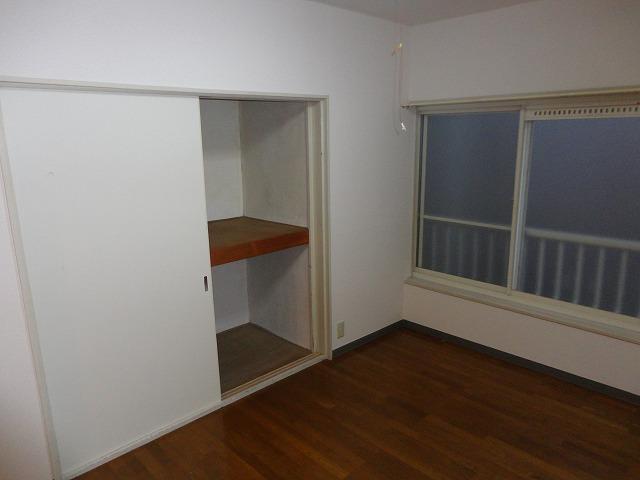 第一中原グリーンハイツ 211号室の玄関