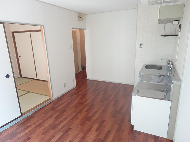 プレジールK 105号室のキッチン