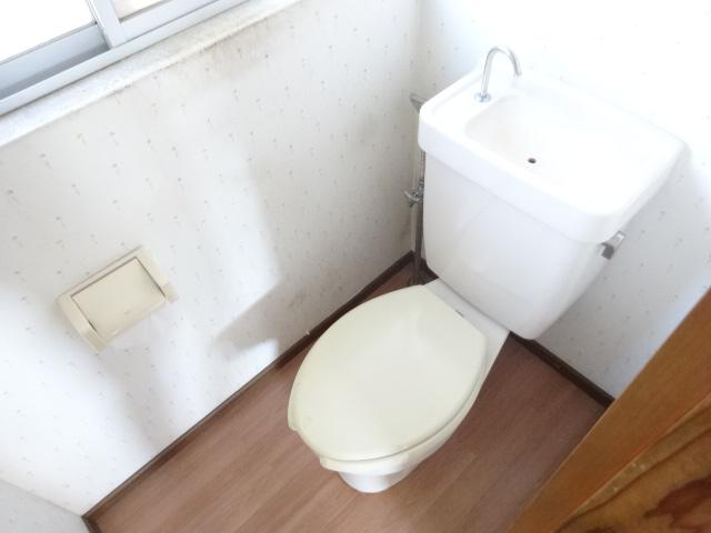 篠町篠上中沢貸家のトイレ