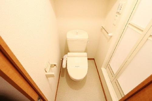 レオパレスJ 201号室のトイレ