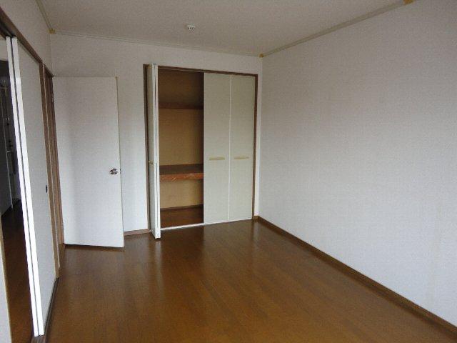 ユニヴェール洛西 103号室のキッチン