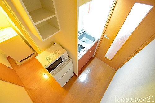 レオパレスプレミール 104号室のキッチン