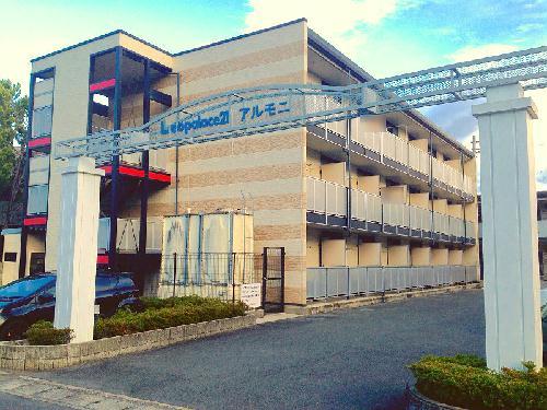レオパレスアルモニ1番館 305号室の外観